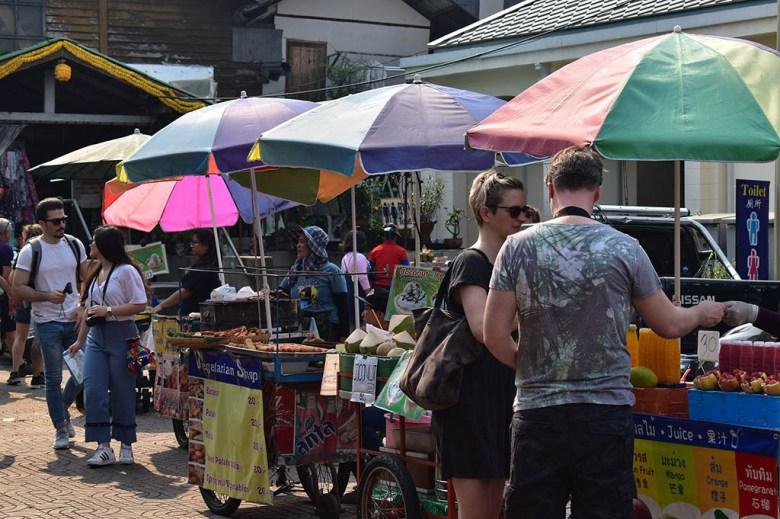 Thailand on a budget: street food is a great way to save money