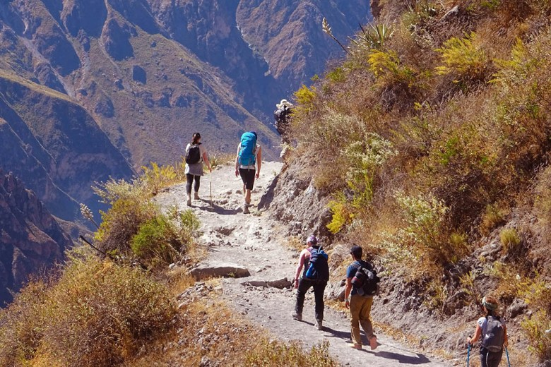 Colca Canyon trek: beginning the 1,200m descent on day one