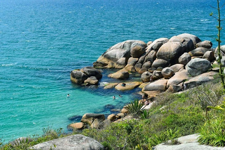 The natural swimming pools near Barra da Lagoa are one of the best secret spots in Florianópolis