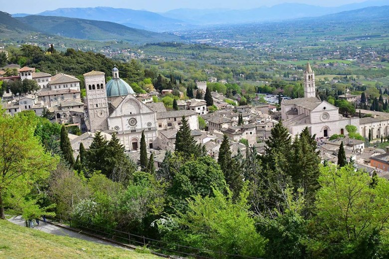 Assisi is the third and final stop of our Umbria travel itinerary