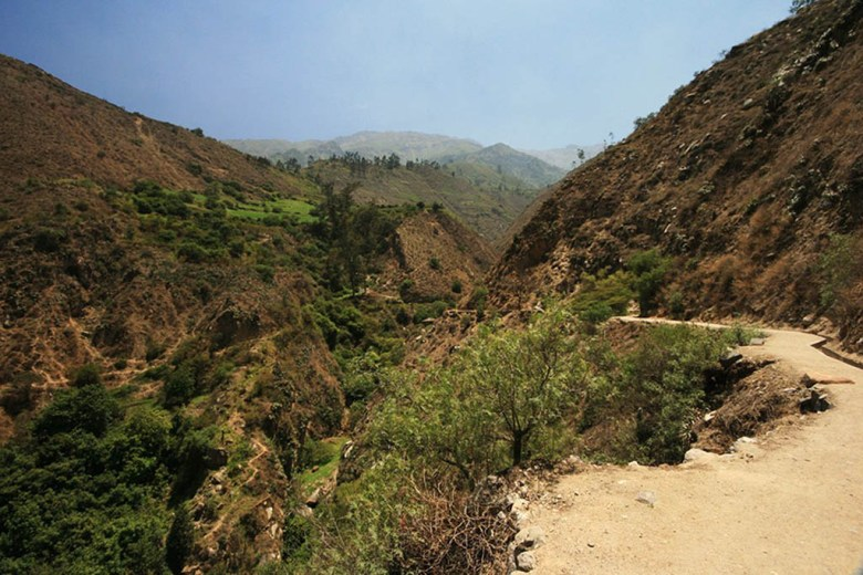 The trail to Palakala Falls, San Jeronimo de Surco