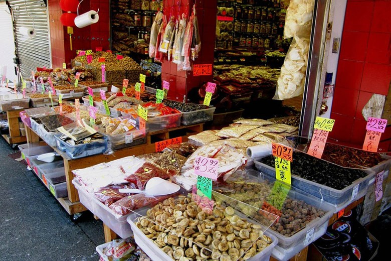 Exploring the lively street market is one of the best things to do in Chinatown Singapore