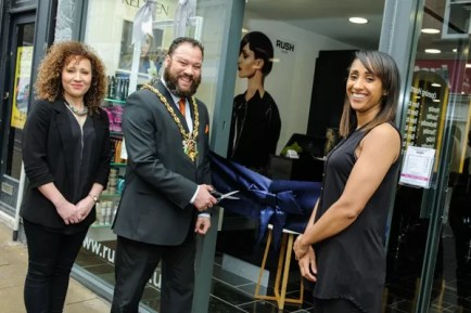 Rush Ipswich franchisees Betty Thompson and Cherie Turner opening their new salon with the mayor