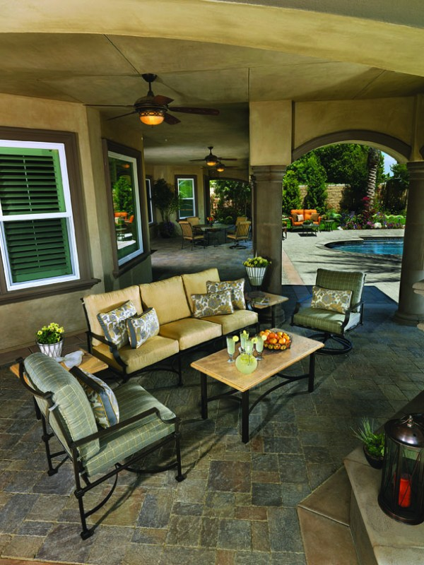 Palazzo outdoor furniture at Carefree Outdoor Living