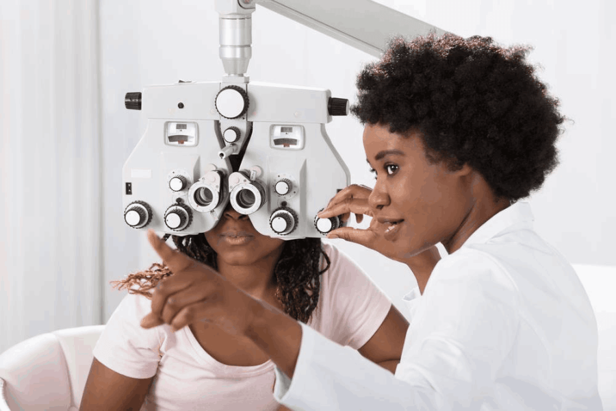 What Does a Certified Ophthalmic Assistant Do?