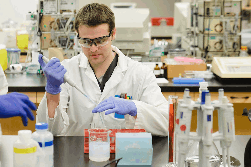 Becoming a medical laboratory scientist