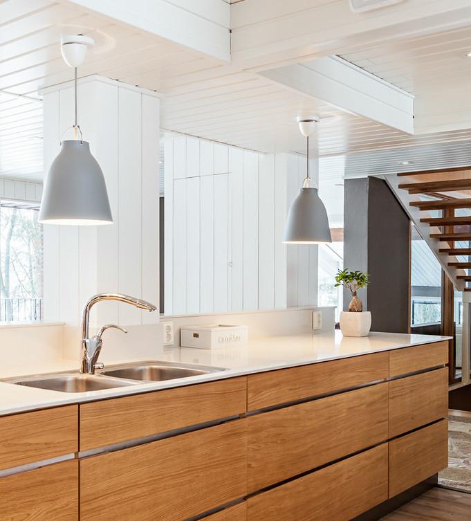 Sisustussuunnittelu: keittiön avaaminen olohuonetilaan
