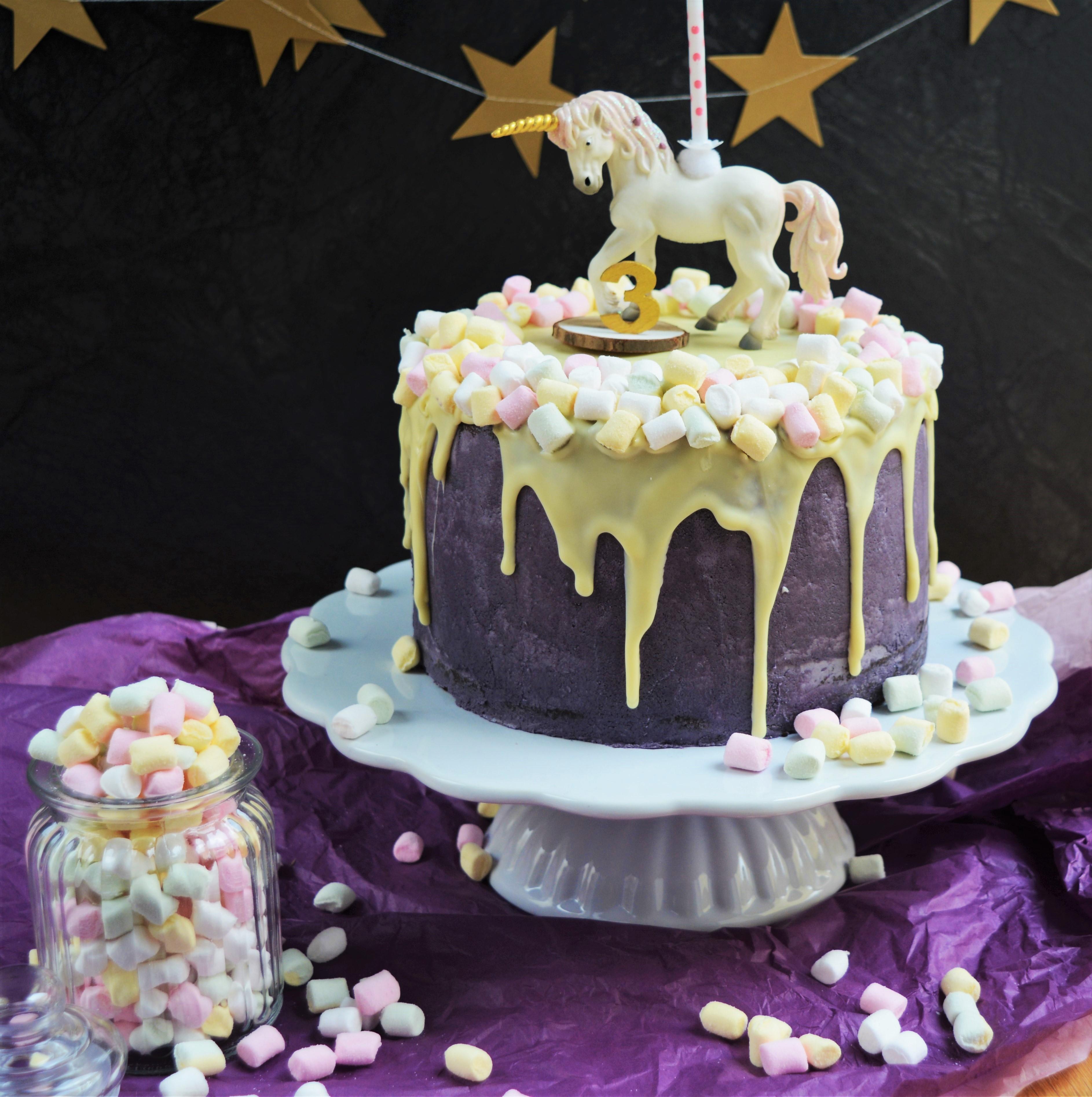 Drip Cake Der Wunsch Nach Einer Lilafarbenen Geburtstagstorte