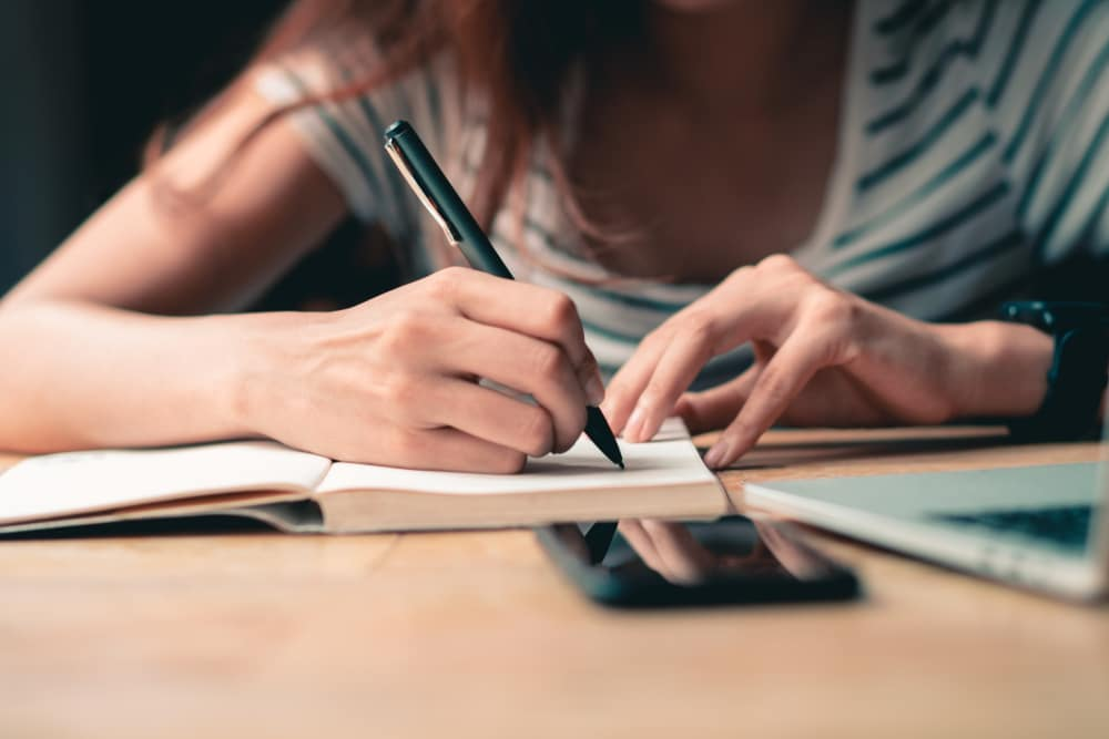 Your Stop Doing List: 7 Things To Banish Today To Make Progress