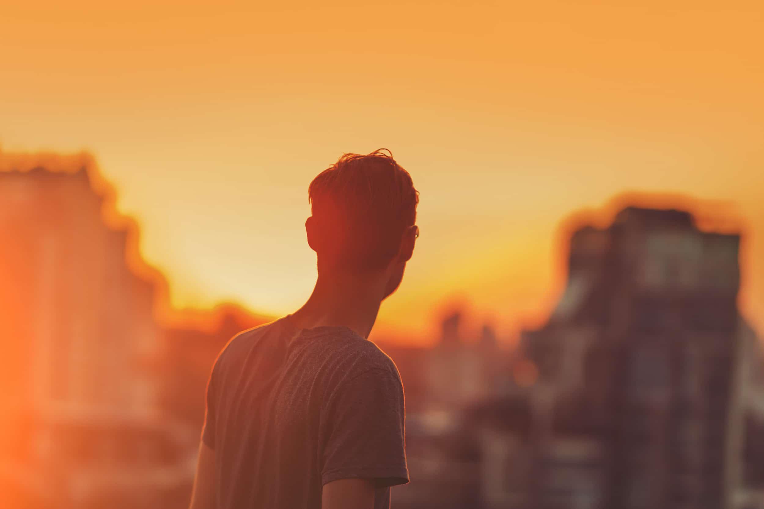 6 Reasons You Feel Lonely In Leadership