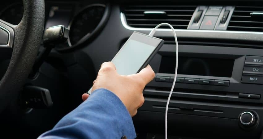 How to Connect Phone to Car Without Bluetooth