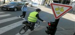 Tourner à droite aux feux rouge pour les vélos!