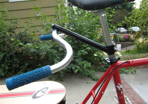 Cheap-ass stoker stem on my Xtracycle