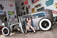 pinup-541--Nikki-Dodge
