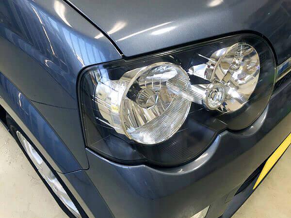 ヘッドライトクリア塗装を施した後のダイハツMOVEのヘッドライト