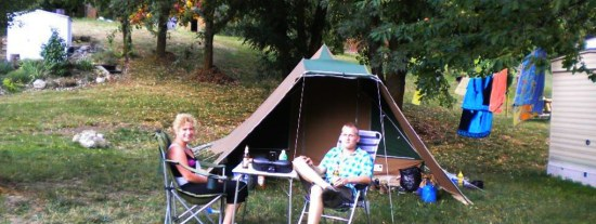 camping-caravaning-campeurs-slide