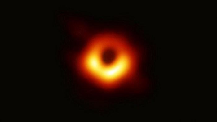 Gambar Pertama Lubang Hitam (Black Hole)