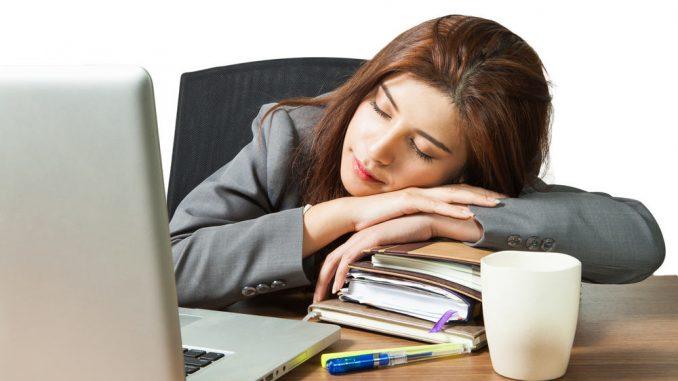 Manfaat Tidur Siang (15-30 Minit) Sehari