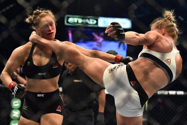 Ronda Rousey Gets Knocked Out By Holly Holm At UFC 193