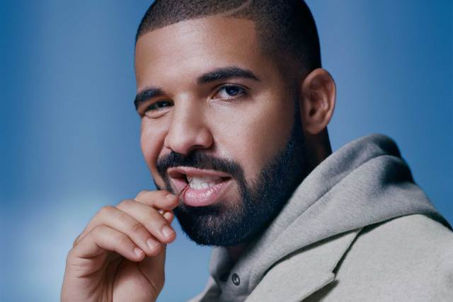 """Drake's """"Views"""" Becomes First Album To Hit 1 Billion Streams On Apple Music"""