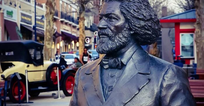 Frederick Douglass: Historic US Black Activist's Statue Toppled