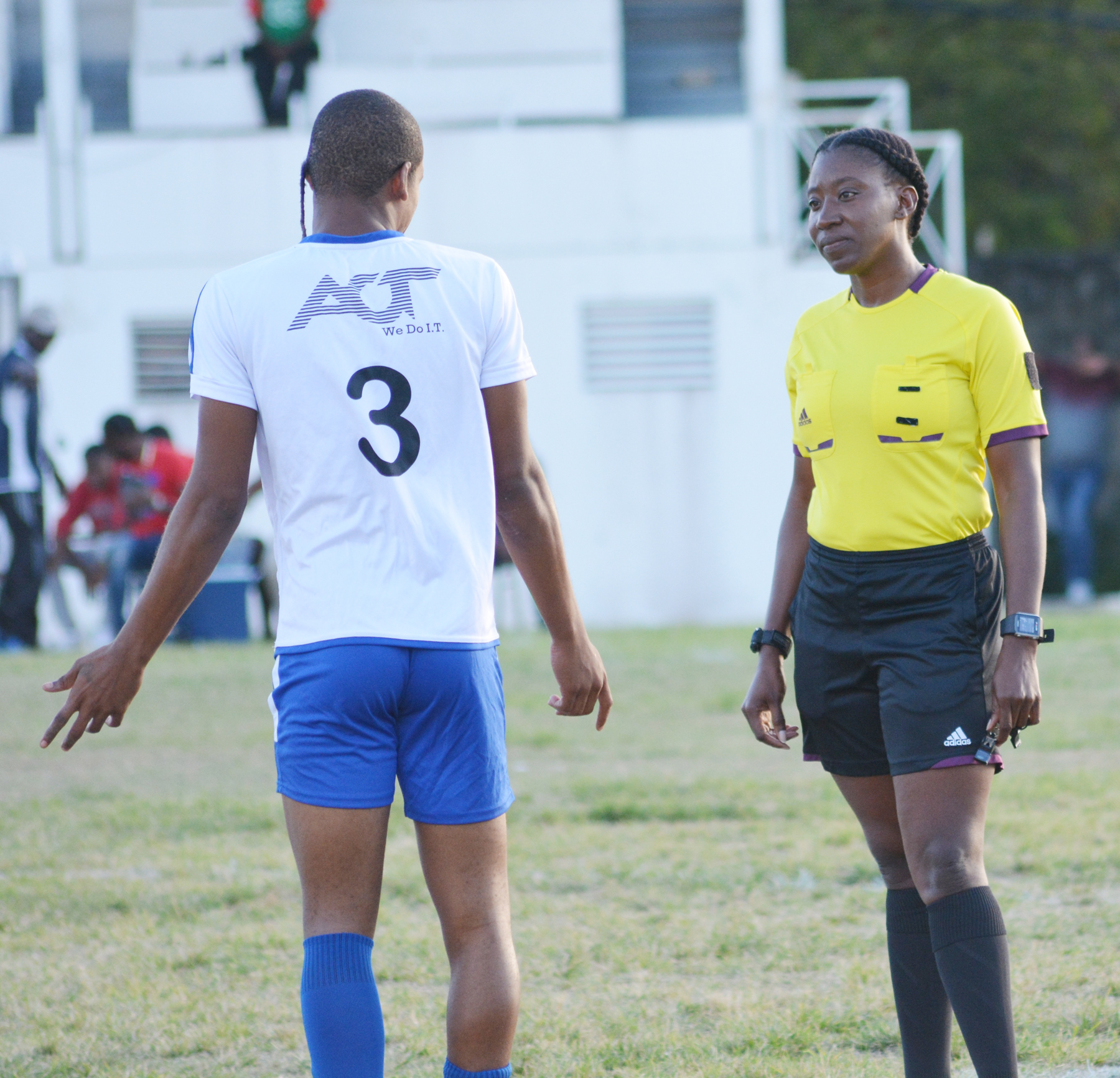Top women's referee reveals 'freak accident' forced her out of