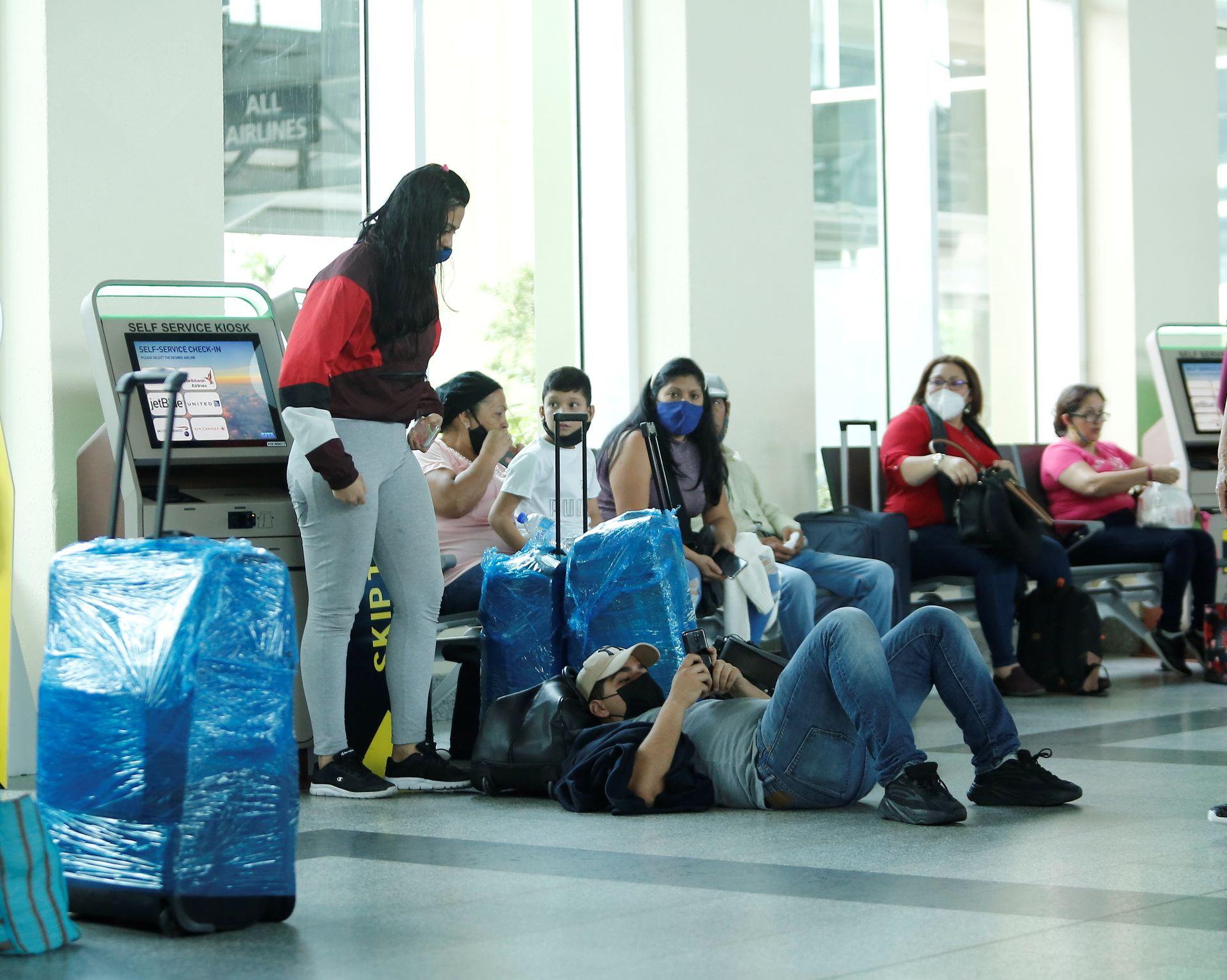 Venezuelans stranded in Trinidad over US sanctions against airline