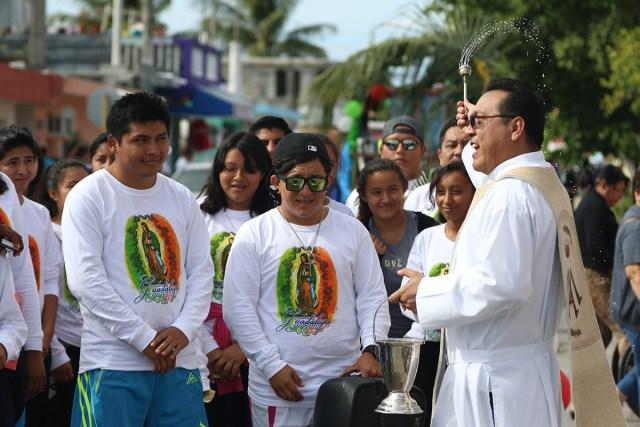 Tres mil guadalupanos de Cozumel festejan aniversario de la aparición de la Virgen Moren