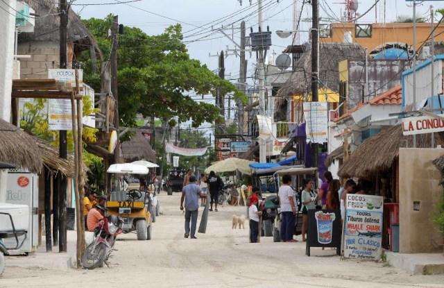 Denisse de Kalafe se queja del Gobierno de Quintana Roo por próxima contingencia ambiental en Holbox