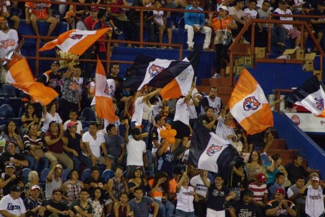 Resignación y buenos deseos de la afición de los Tigres de Quintana Roo