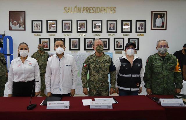 """Listo operativo civil-militar para enfrentar el paso del huracán """"Delta""""; afirma Secretario de Marina, almirante Rafael Ojeda Durán"""