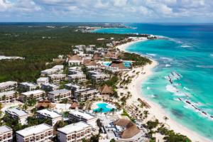 Bahia Principe Riviera Maya Resorts son galardonados por las plataformas Booking.com y Hoteles.com