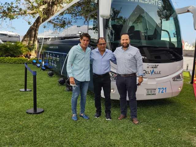 Presenta Autotransportes Del Valle moderna flotilla para el transporte de Personal