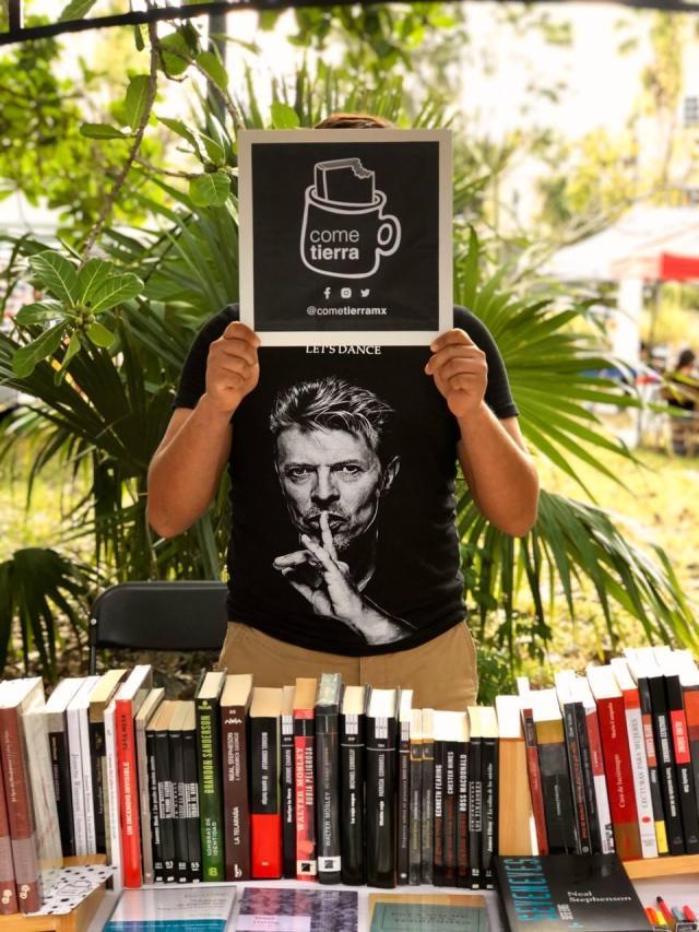 Librería de Cancún se une a iniciativa nacional para celebrar el día del libro en México