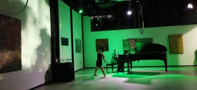"EXPOSICIÓN DE ARTE ALEX KRANTZBERG TITULADA   ""EMOCIONES"""