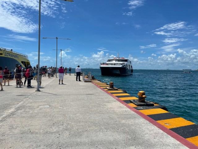"Realiza pruebas de atraque barco ""Xel-ha"" de Grupo Xcaret"