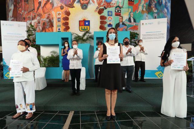 Premian en Quintana Roo a científicos e investigadores