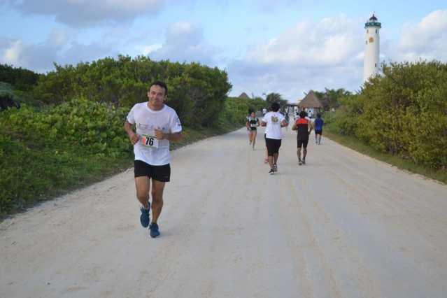 Convocan en Cozumel a correr por los arrecifes
