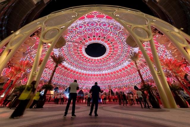 Se unen miles de personas en la inauguración de Expo Dubai
