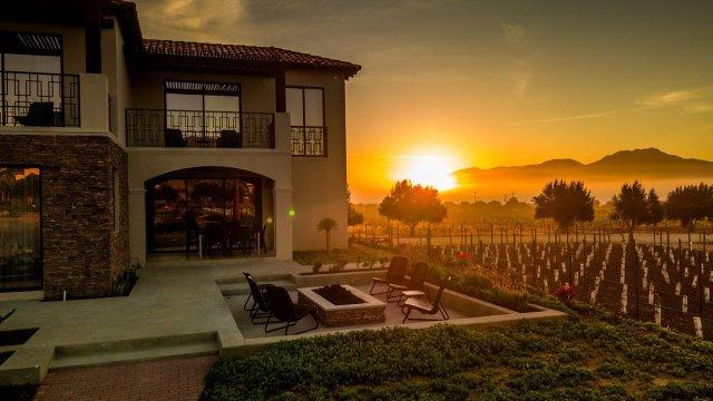 Anuncian alianza la vinícola Cielo de Valle de Guadalupe en México, y el Grupo hotelero Presidente @VinosElCielo