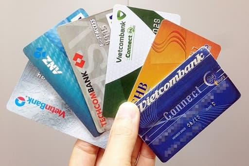 海外のクレジットカード会社で安心感を作ったほうがいい