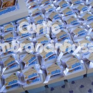 Caixa de Madeira Com confete