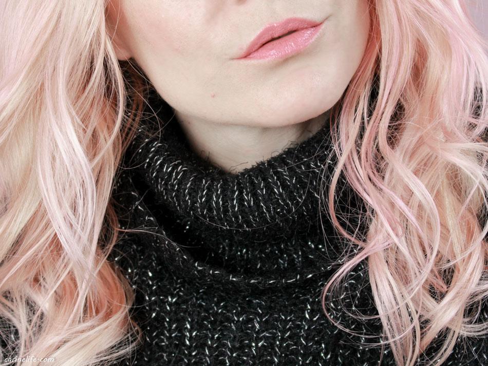 Coloration cheveux rose pastel