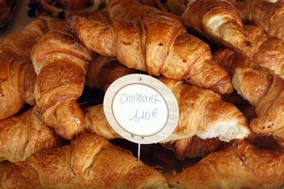 Non-Feature-Paris-Croissant-Crawl