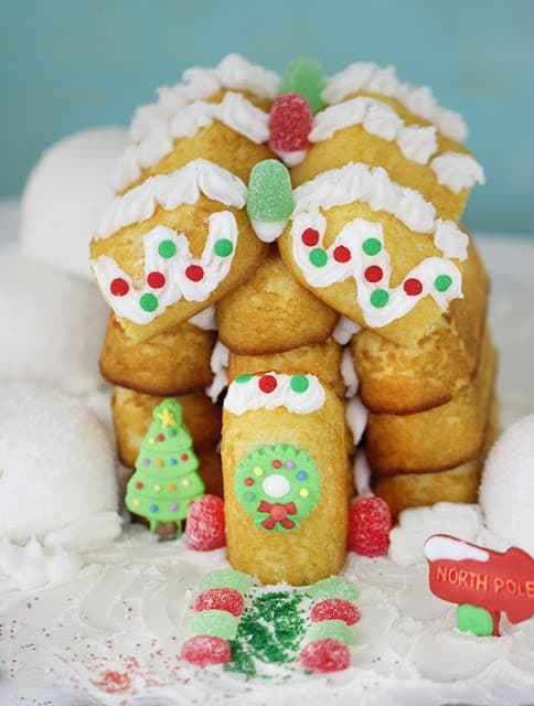 http://homemakinghacks.com/2014/11/build-a-christmas-house-out-of-twinkies.html
