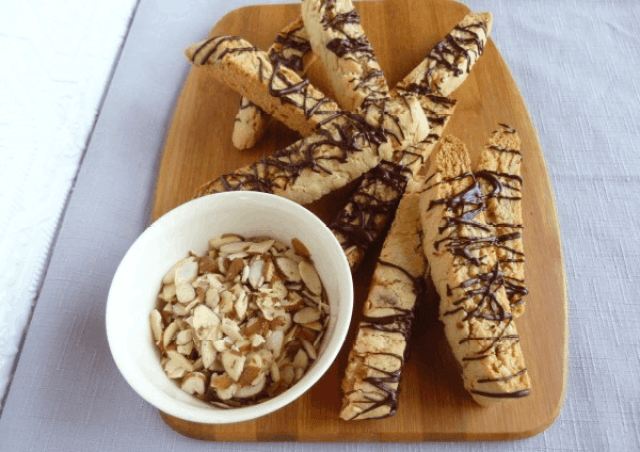 http://www.accidentalhappybaker.com/chocolate-almond-biscotti/