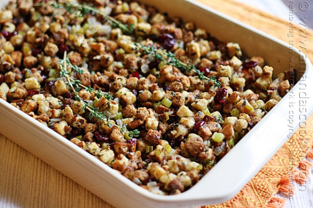 http://amandascookin.com/stuffing-parsley-sage-rosemary-thyme/