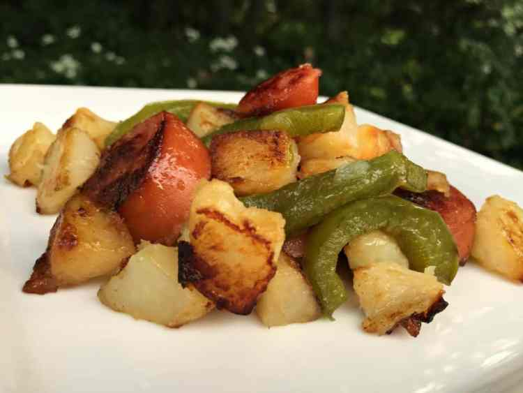 cheap meal ideas, cheap dinner recipes, cheap easy meals on a budget, dinner ideas for tonight Kielbasas and Potato Skillet - Cheap and Delicious Meal!