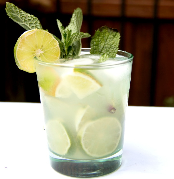 mint caipi cocktail drink