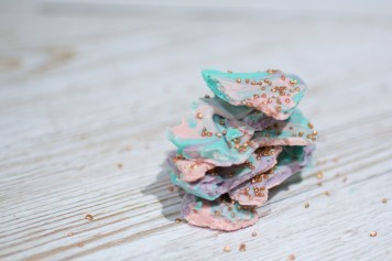 Rainbow Unicorn bark | Carla Watkins Photography for carlalouise.com